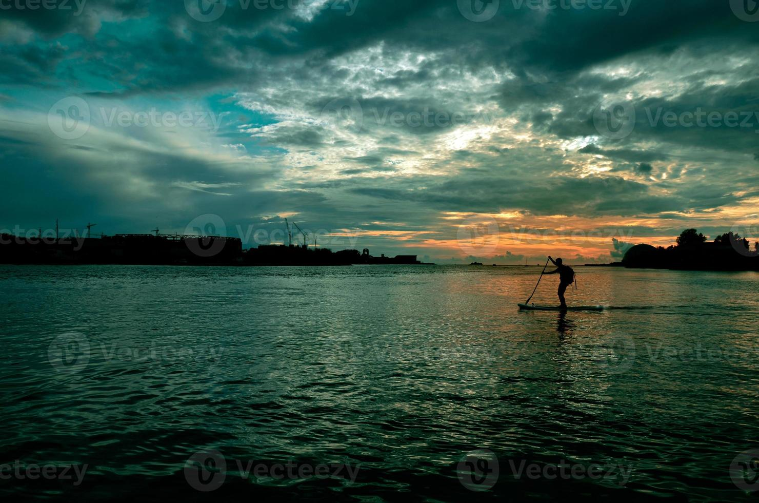 tramonto urbano foto