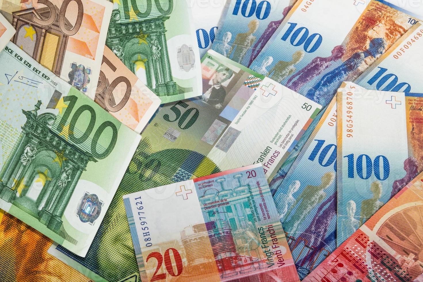 banconote svizzere ed ue foto