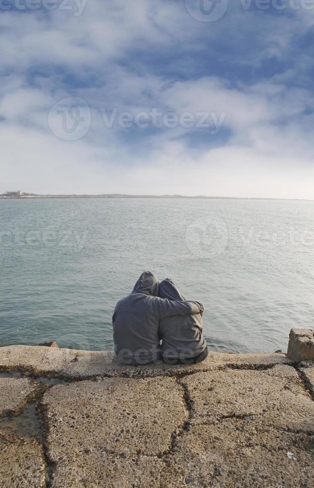 coppia sugli scogli2 foto