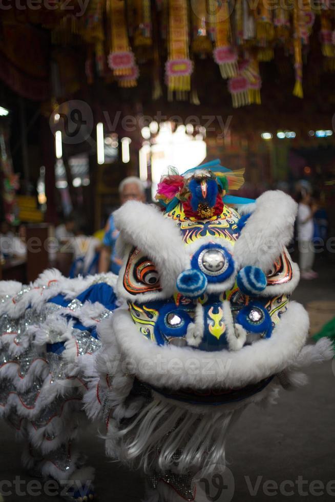 artisti del drago, saan jao joe sue gong temple, bangkok, thailandia. foto