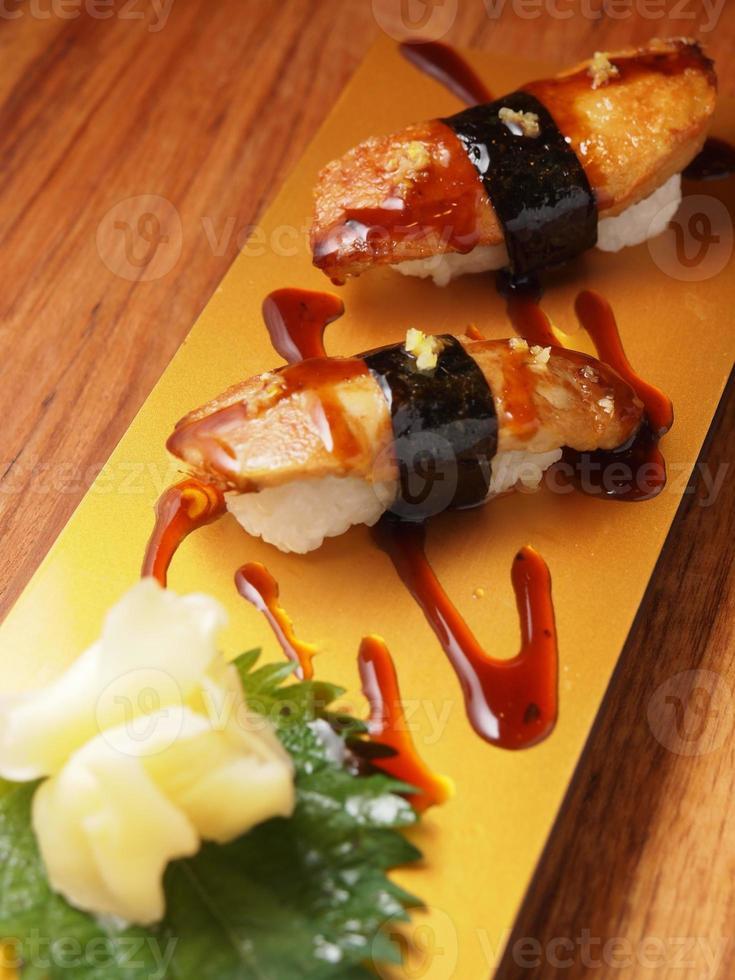 foie gras nigiri, stile giapponese di cibo per sushi foto