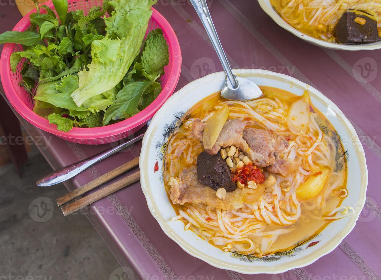 la tagliatella del Vietnam ha impostato nella città di Ho Chi Minh foto
