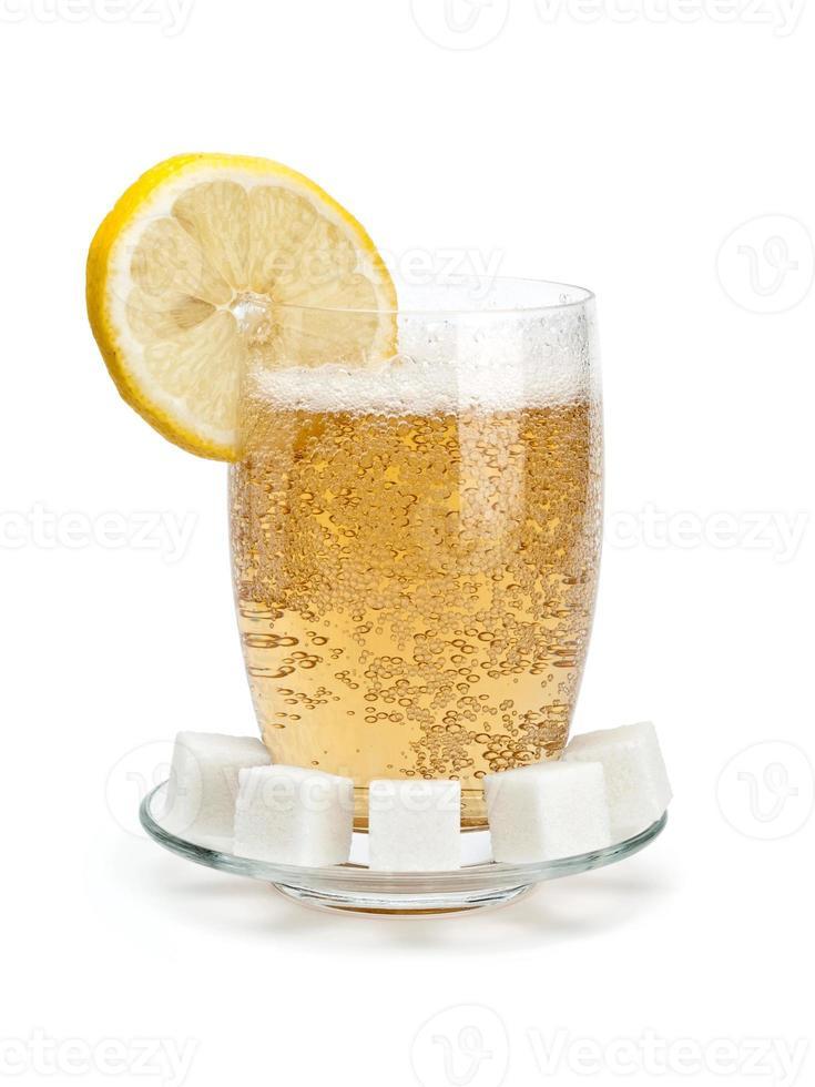 bicchiere di limonata fredda foto