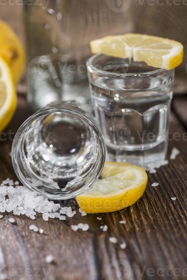 colpo a macroistruzione di tequila d'argento foto