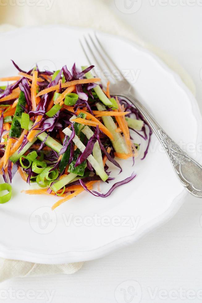 insalata con carote e cavolo foto