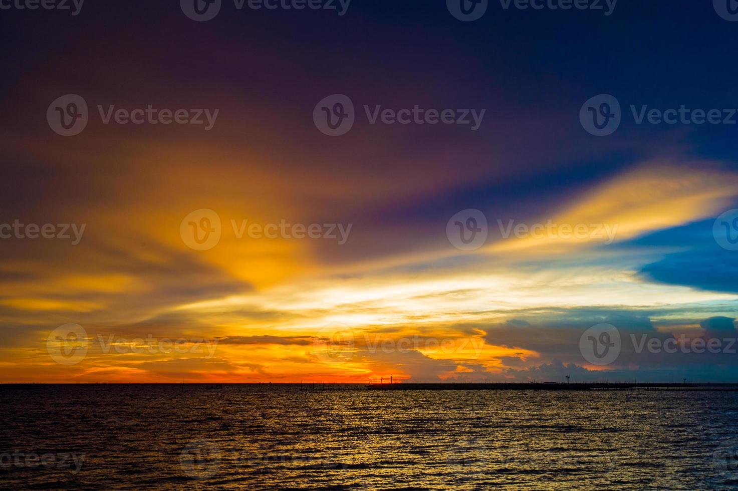 vista sul mare prima del tramonto @ krabi foto