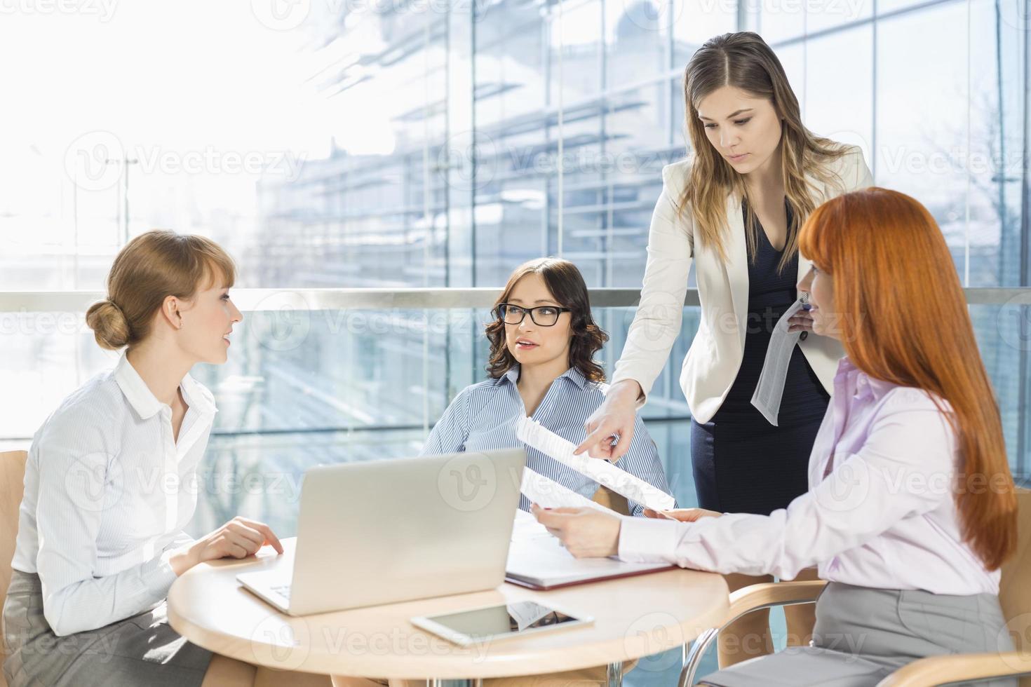 donne in affari foto
