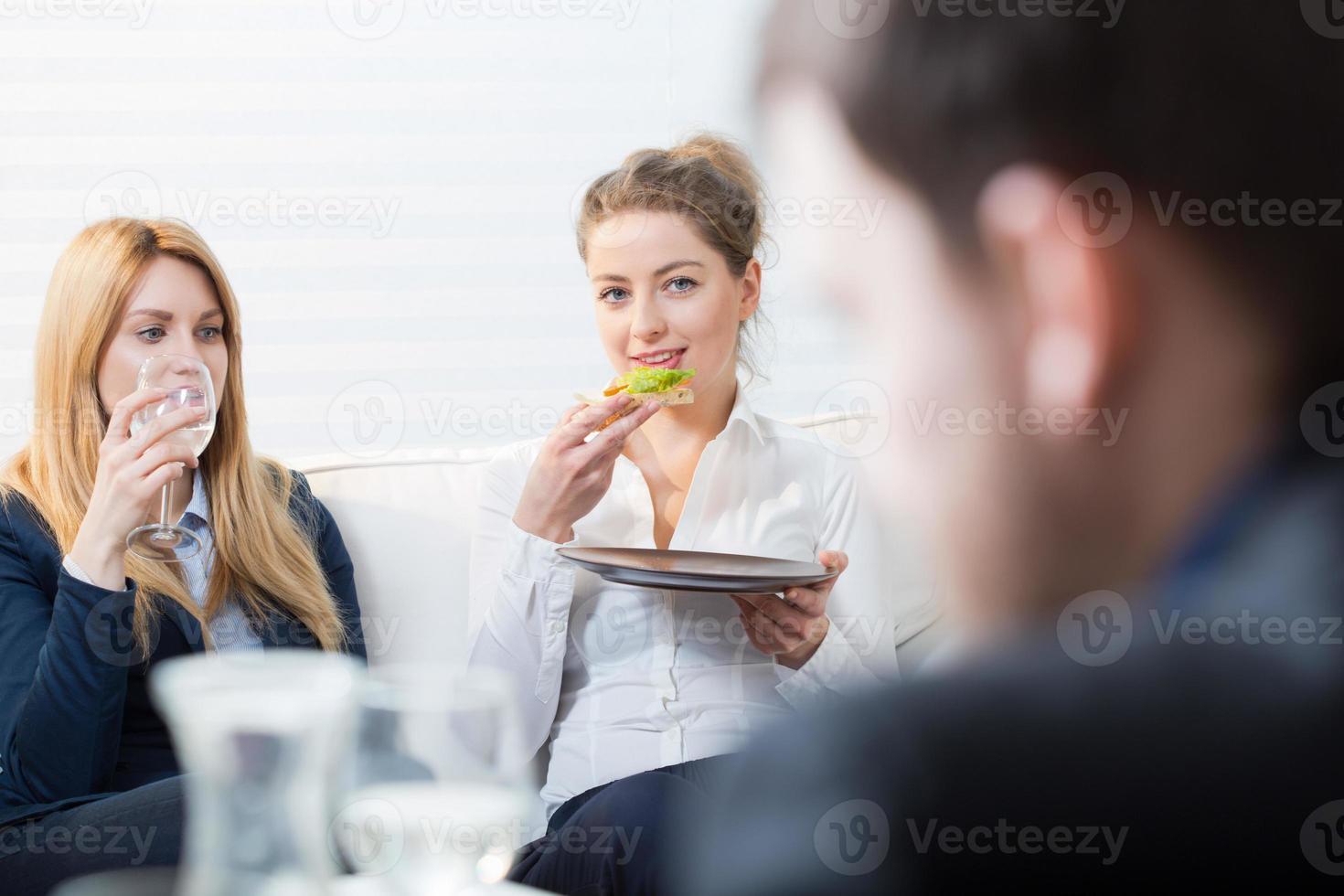 pausa pranzo al lavoro foto