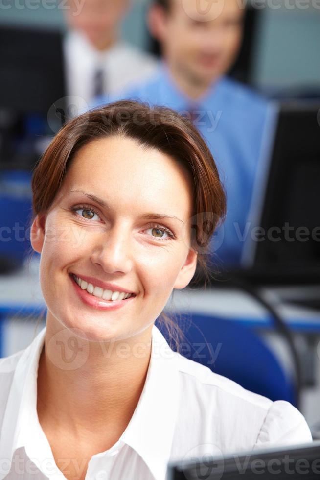 donna d'affari fiduciosa foto