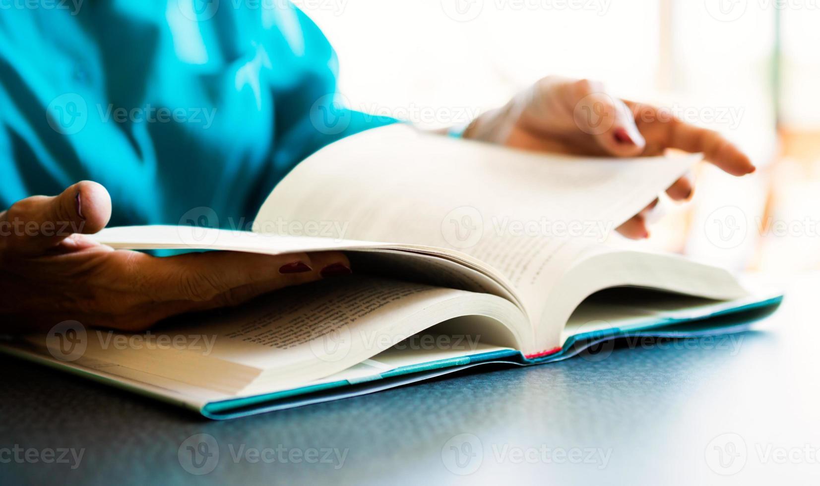 libro da leggere foto