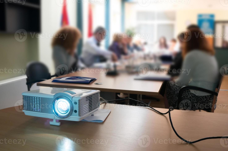 proiettore al seminario foto