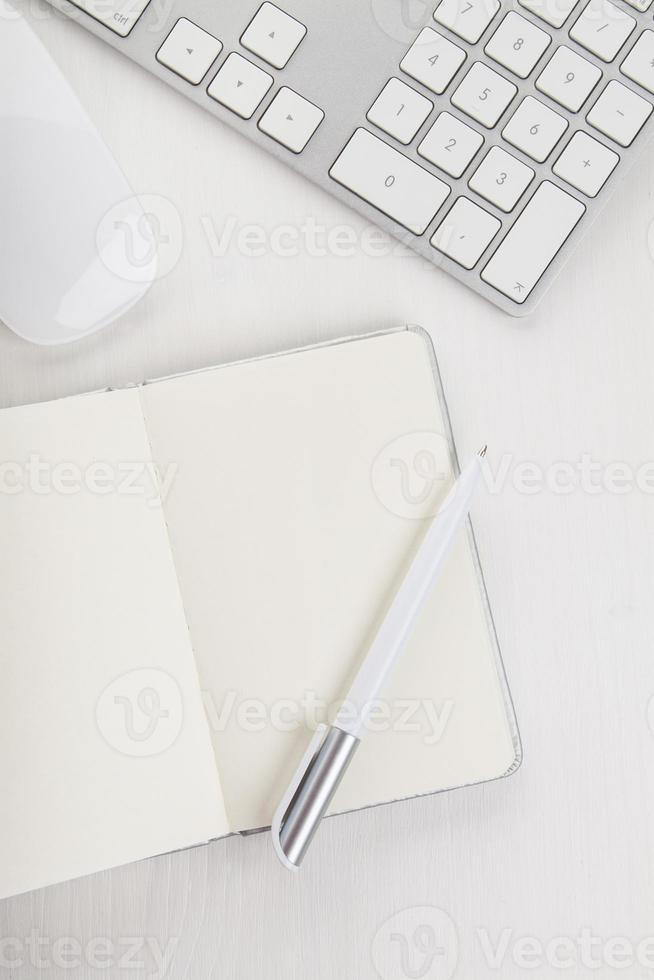 raccolta di articoli per ufficio foto