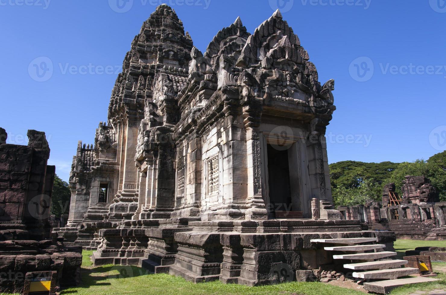 il prang principale, torre principale nel parco storico di phimai, Tailandia foto