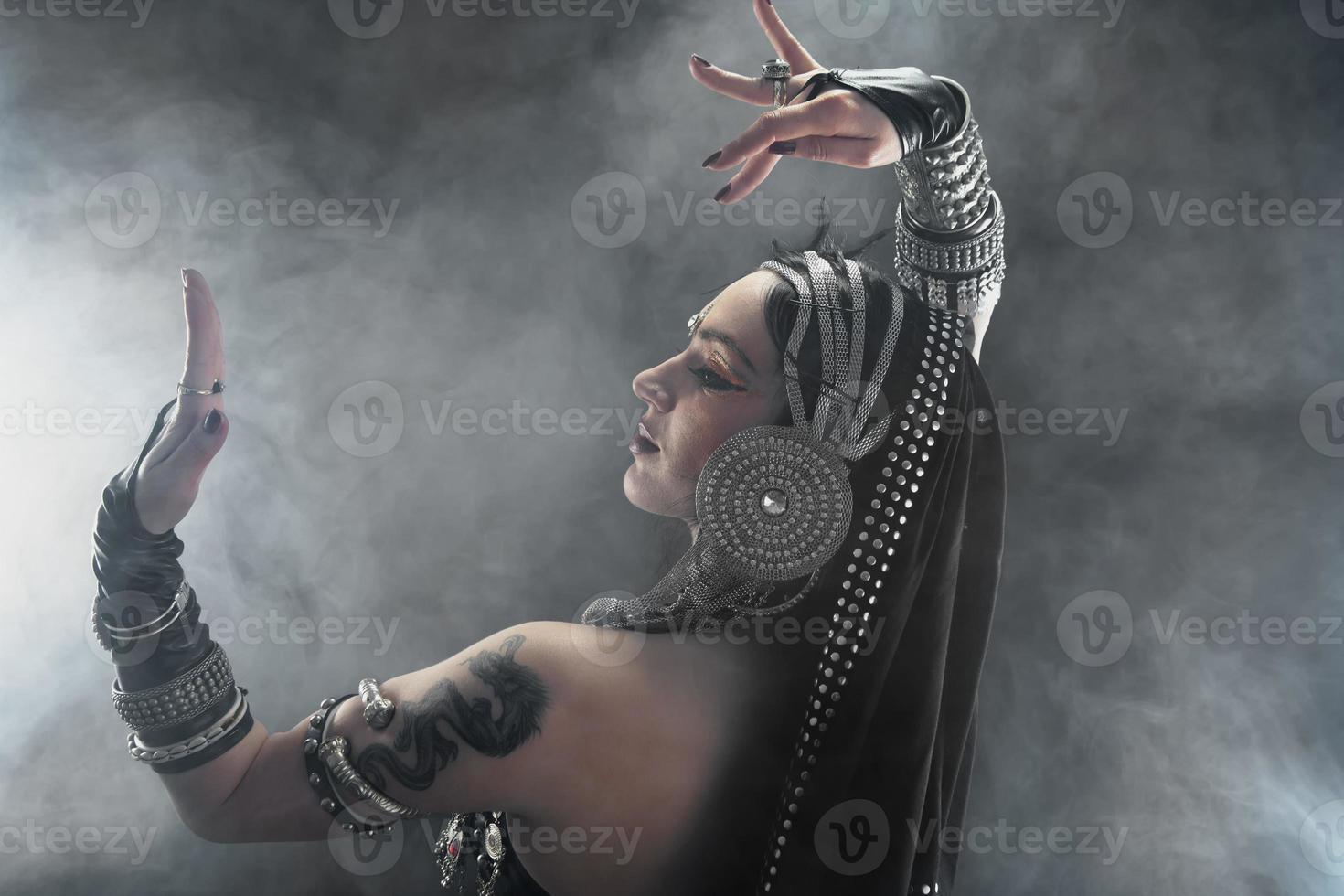danzatrice del ventre orientale foto