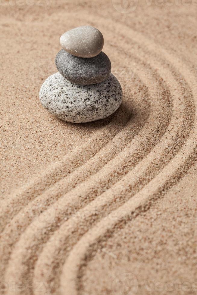 giardino giapponese in pietra zen foto