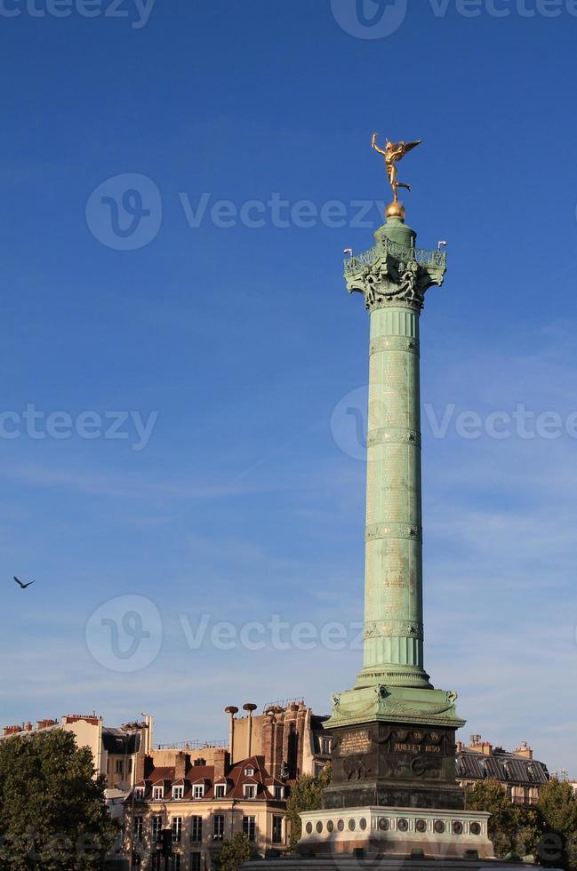 colonne de juillet in place de la bastille, parigi foto
