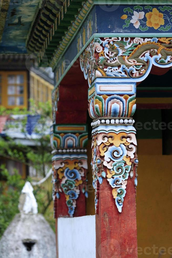 dipinti sul monastero buddista a Sikkim, maggio 2009, India foto