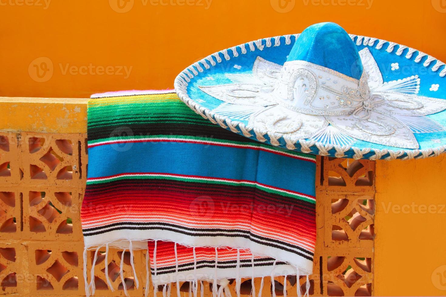 poncho serape cappello messicano blu charro mariachi foto