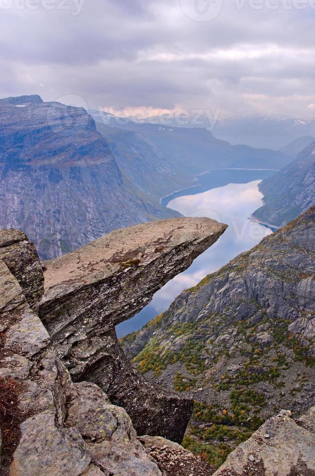 trolltunga in norvegia foto