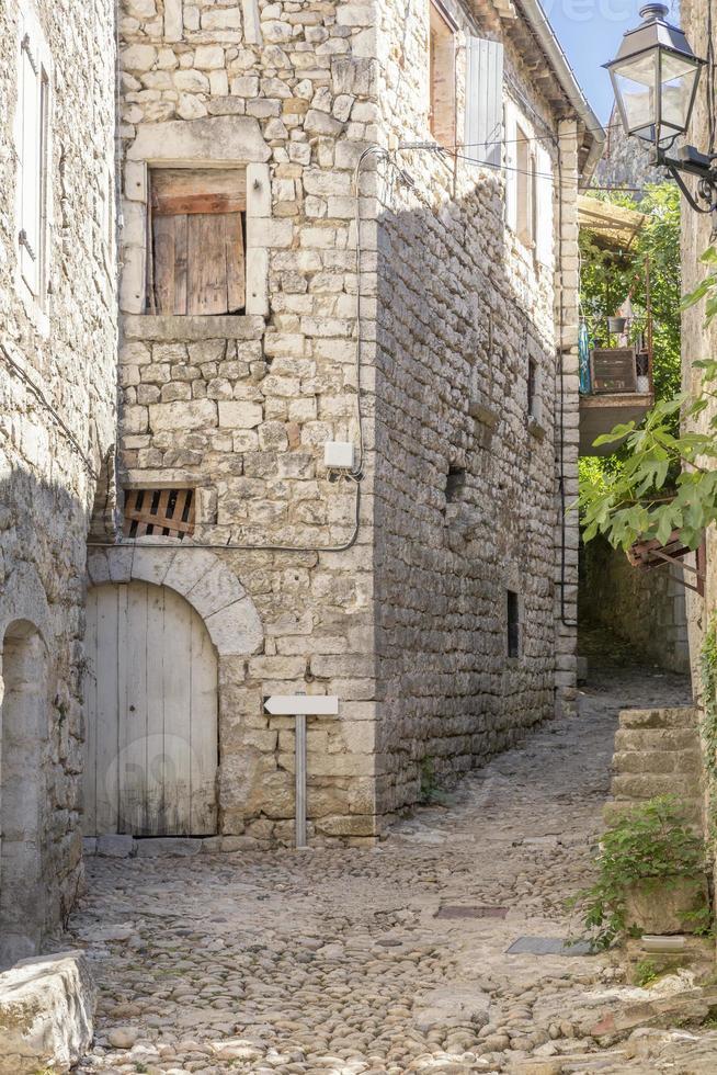 vicolo a balazuc, francia (distretto di ardeche) foto