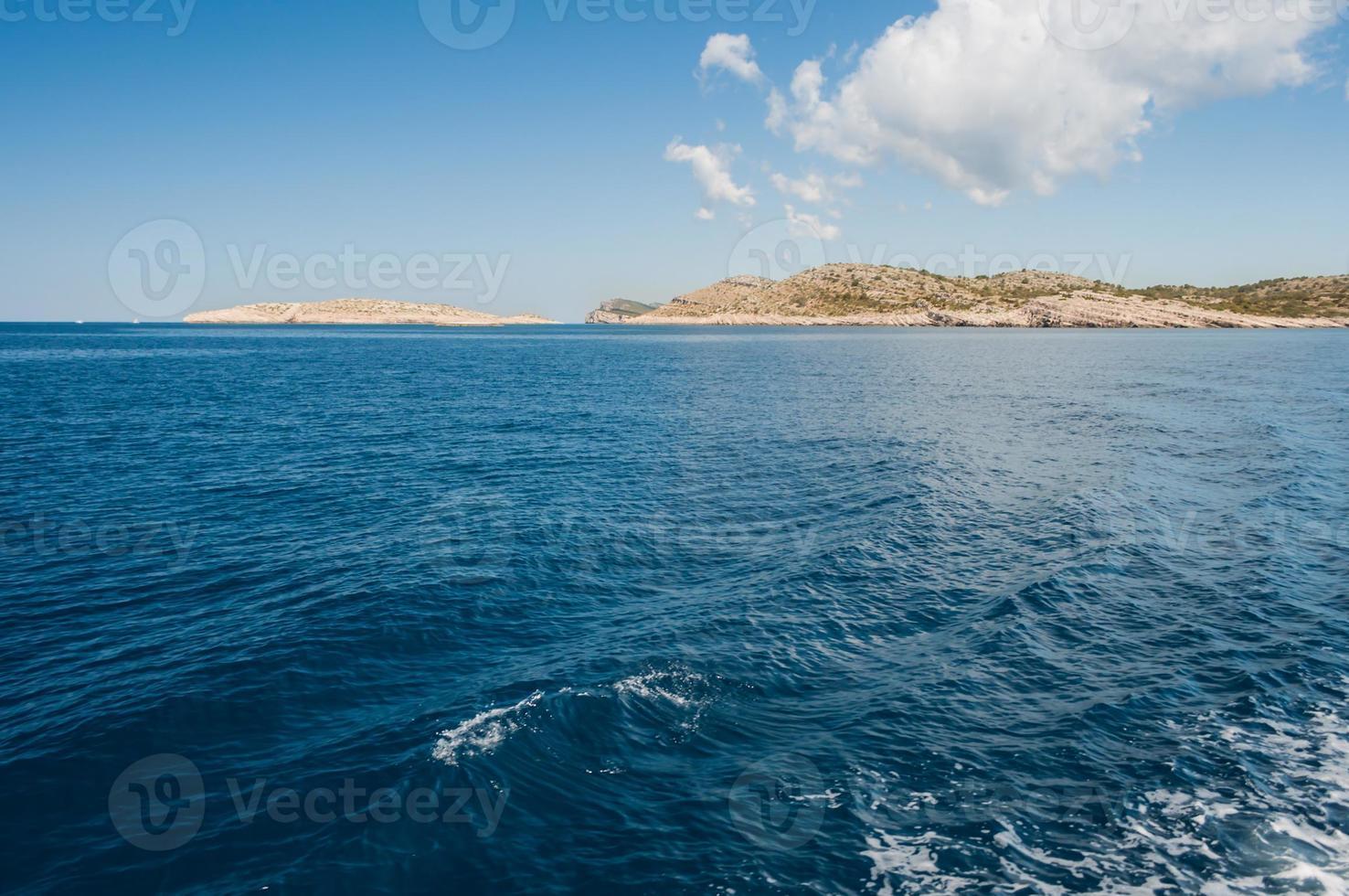 isole nel mare, parco nazionale di kornati, croazia foto