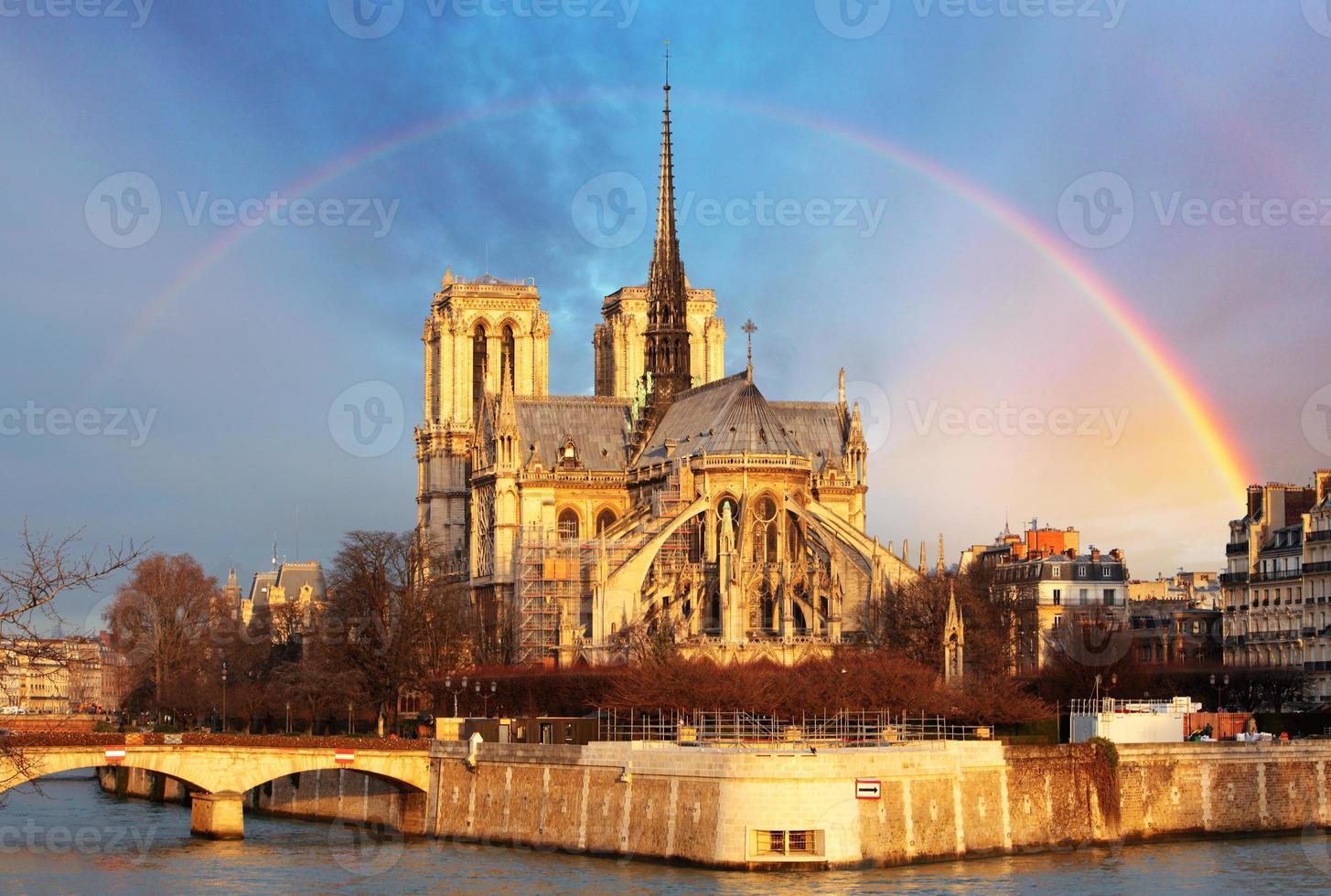 Notre Dame con arcobaleno, Parigi foto