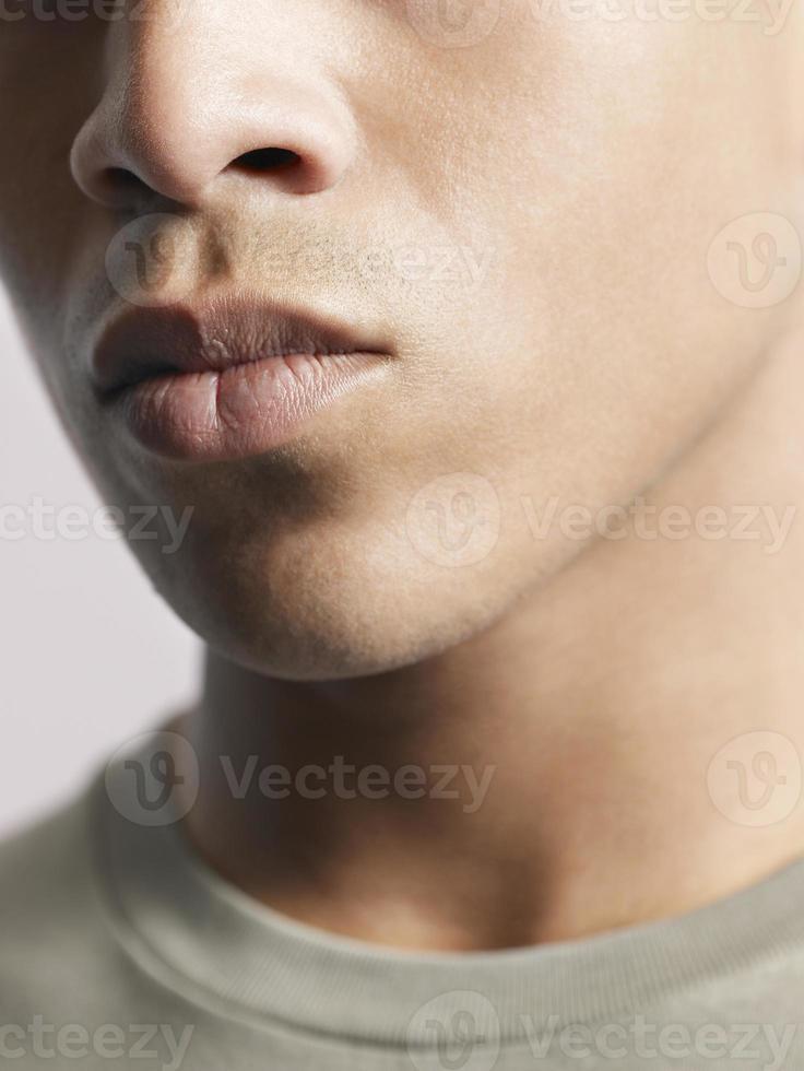 labbra del giovane uomo afroamericano foto