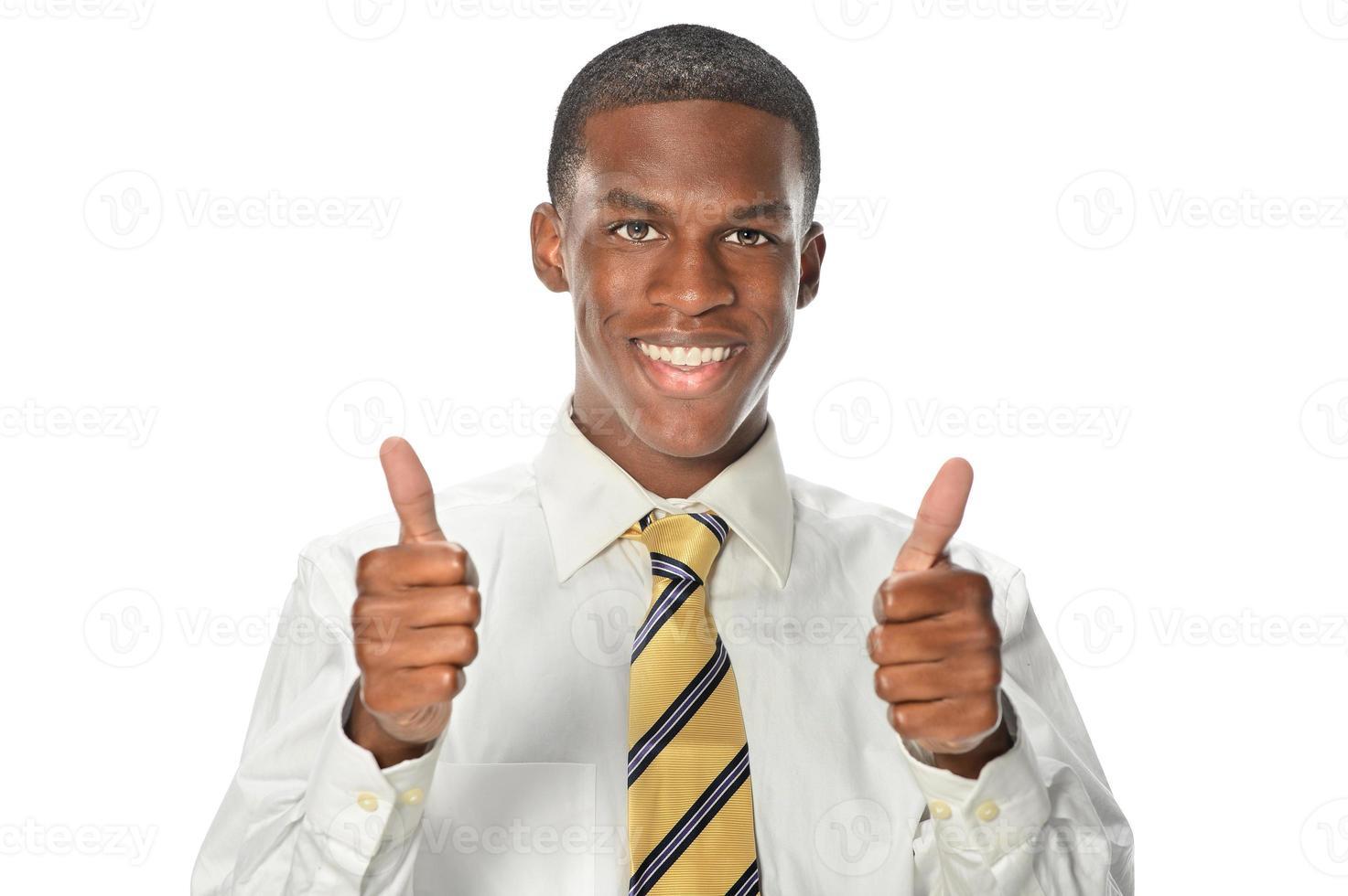 uomo d'affari afroamericano che mostra i pollici in su foto