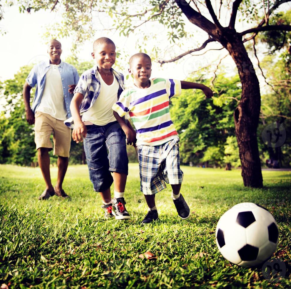 concetto africano di attività di vacanza di vacanza di felicità della famiglia foto