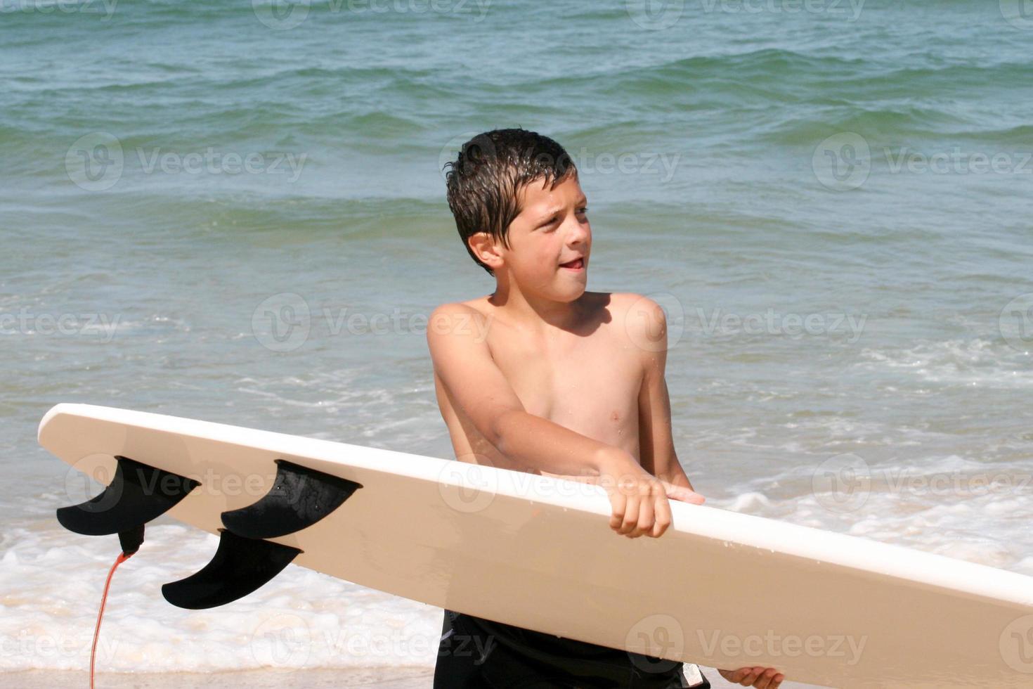 ragazzo surfista foto