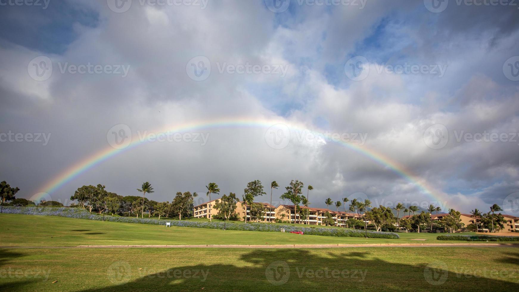 arcobaleno nella località di kaanapali foto