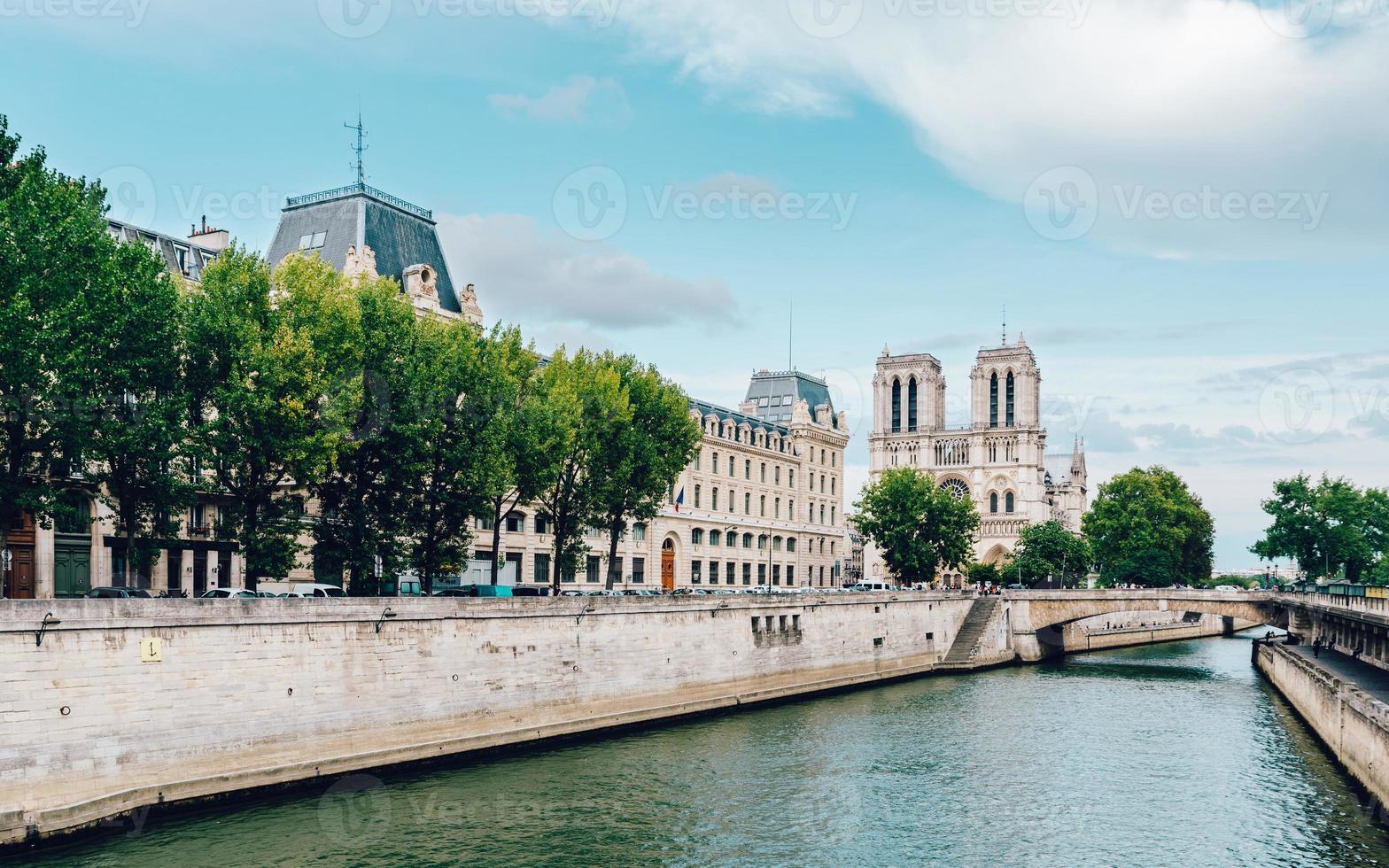 Cattedrale di Notre-Dame a Parigi foto