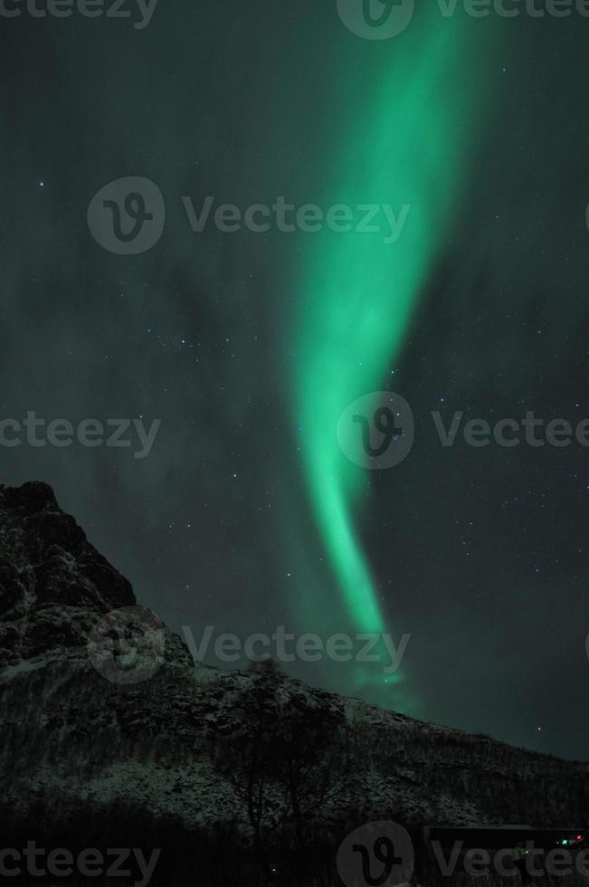 aurora boreale a tromso, norvegia settentrionale, febbraio 2012 foto