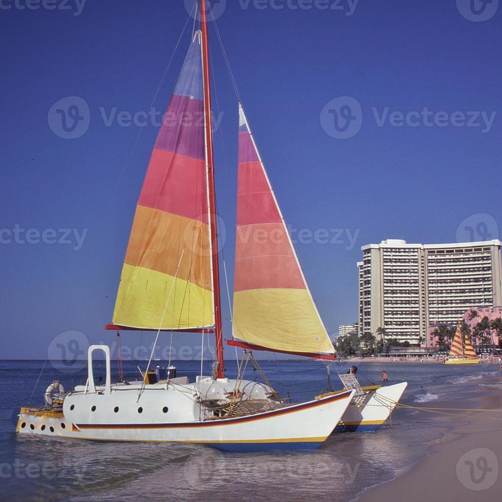 Waikiki Beach, barca a vela foto