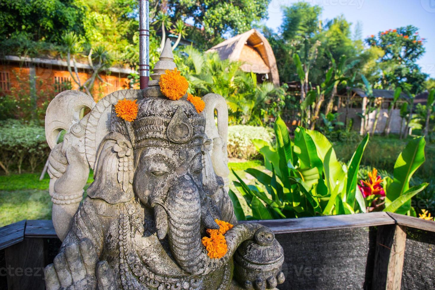dettaglio della statua indù di ganesha foto
