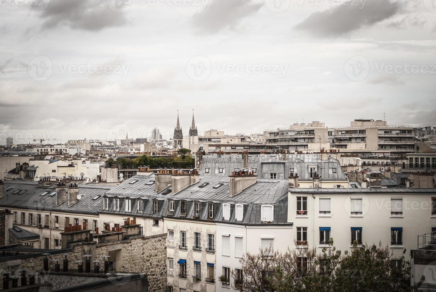 tetti a Parigi durante l'autunno foto