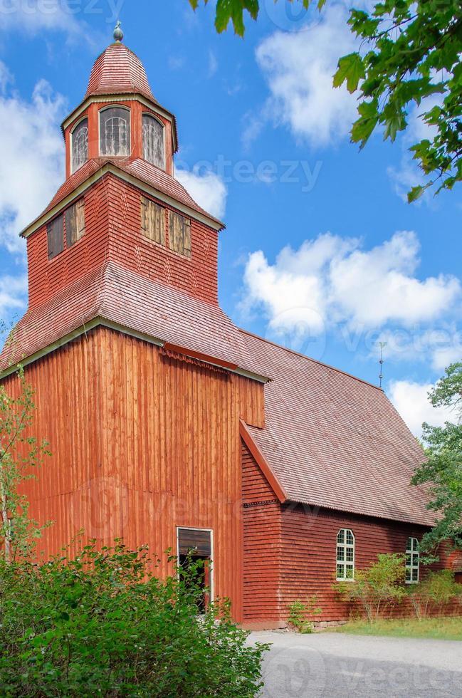 chiesa di campagna in legno foto