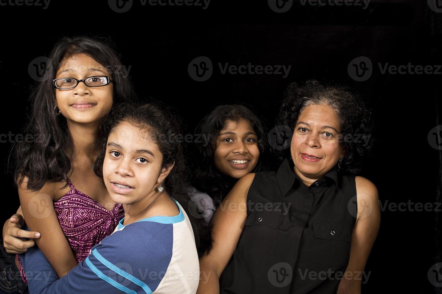 felice ricongiungimento familiare foto