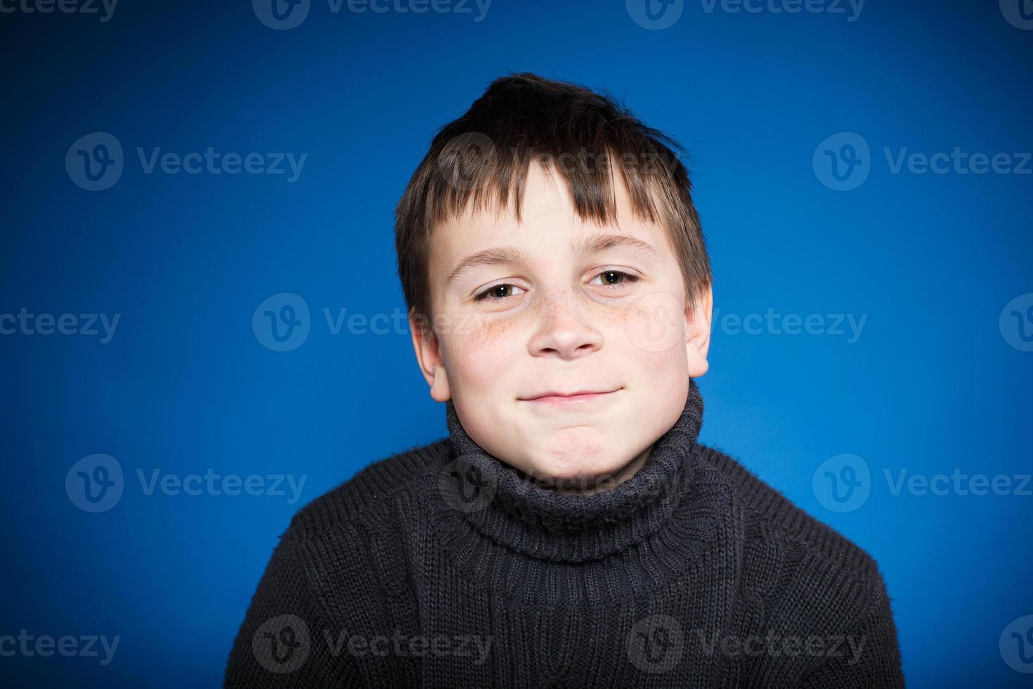ritratto di un ragazzo adolescente foto