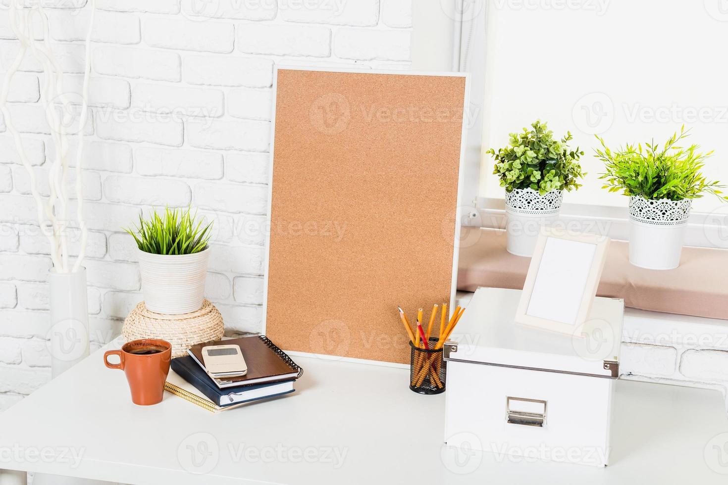 elegante spazio di lavoro a casa foto