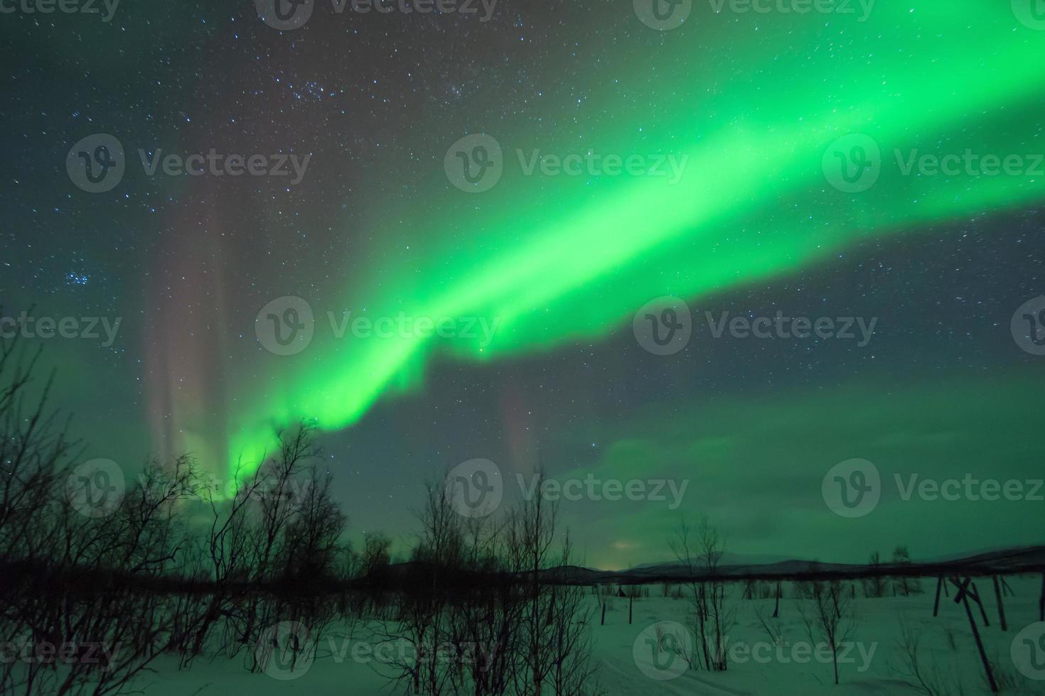 pleiadi e aurora boreale ver 2 foto