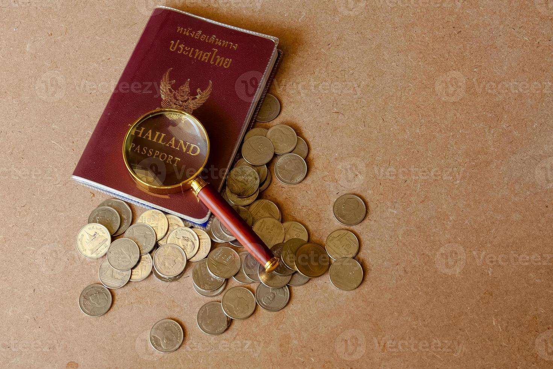 passaporto per viaggiare in Thailandia La Thailandia gode di risparmiare denaro. foto
