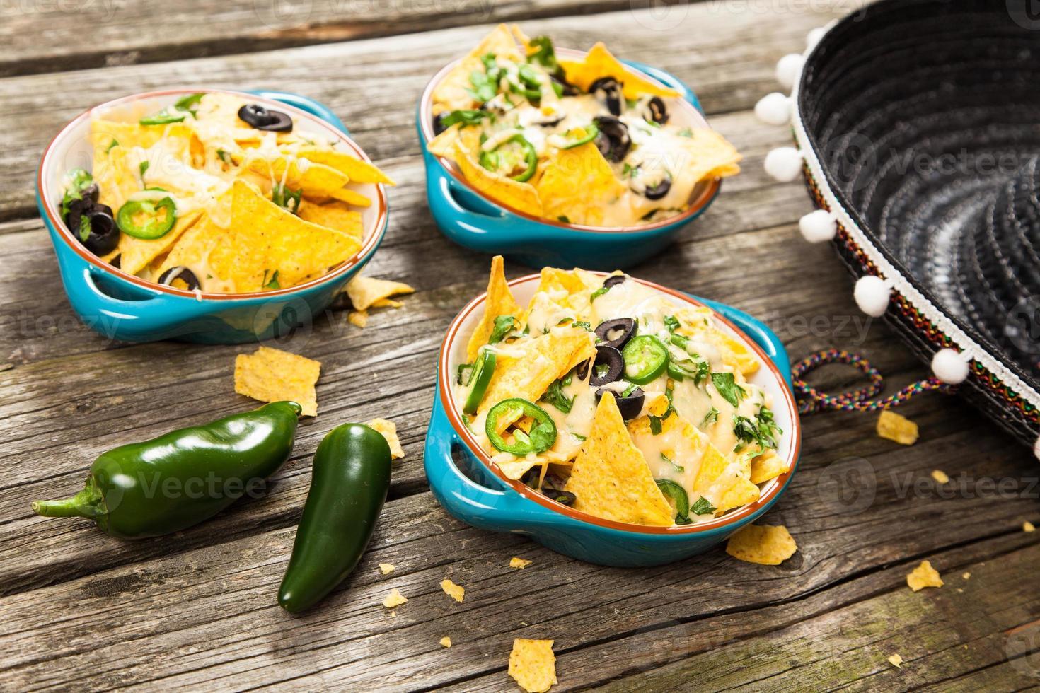 nachos con formaggio fuso foto