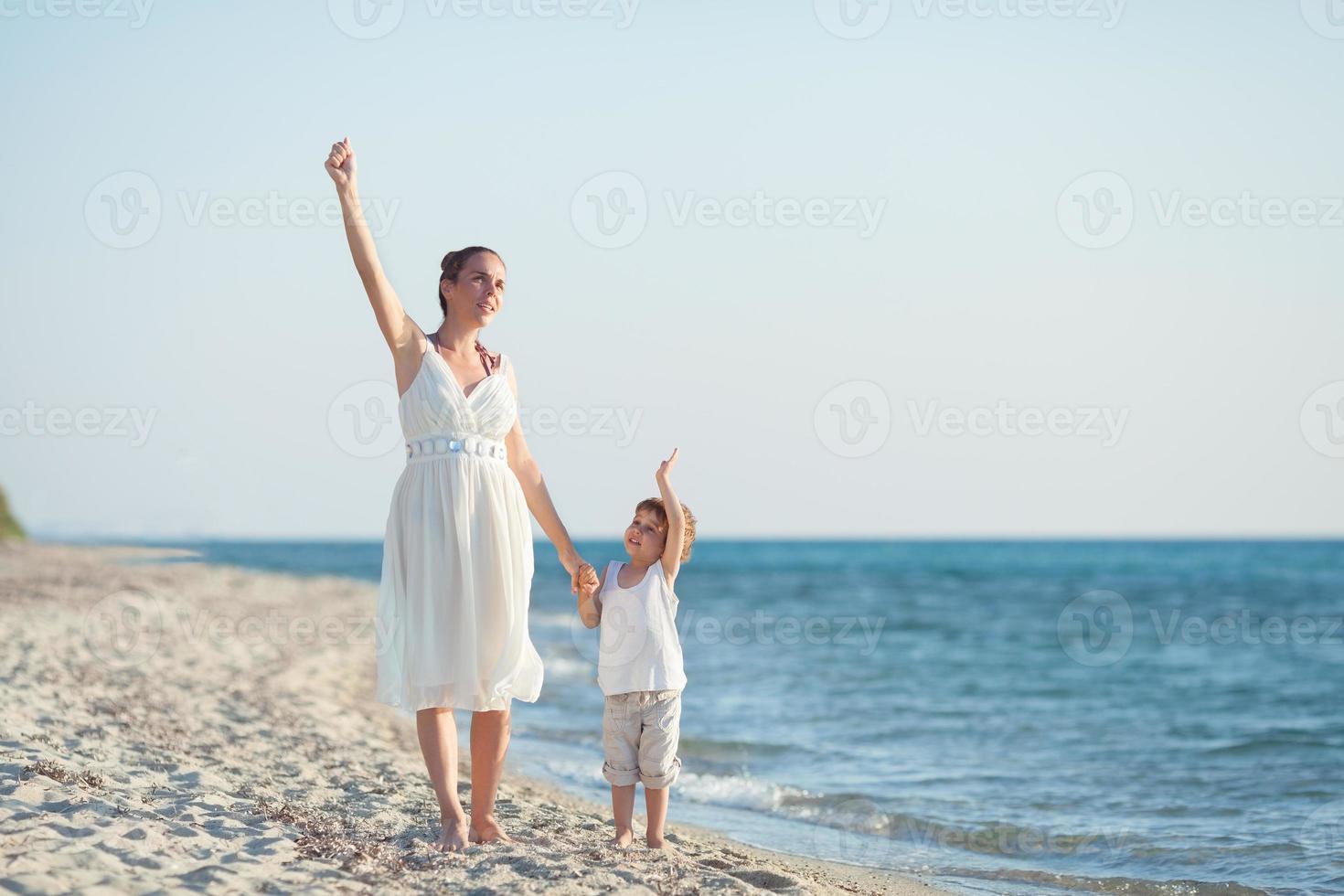 ciao dalla spiaggia! foto