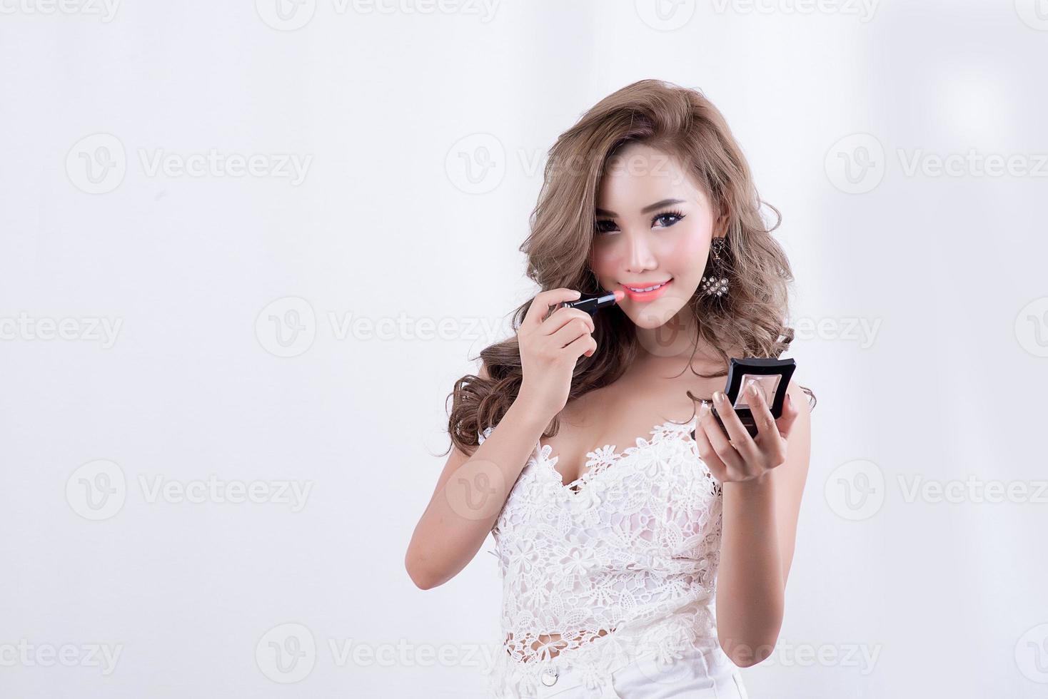 donna con rossetto foto