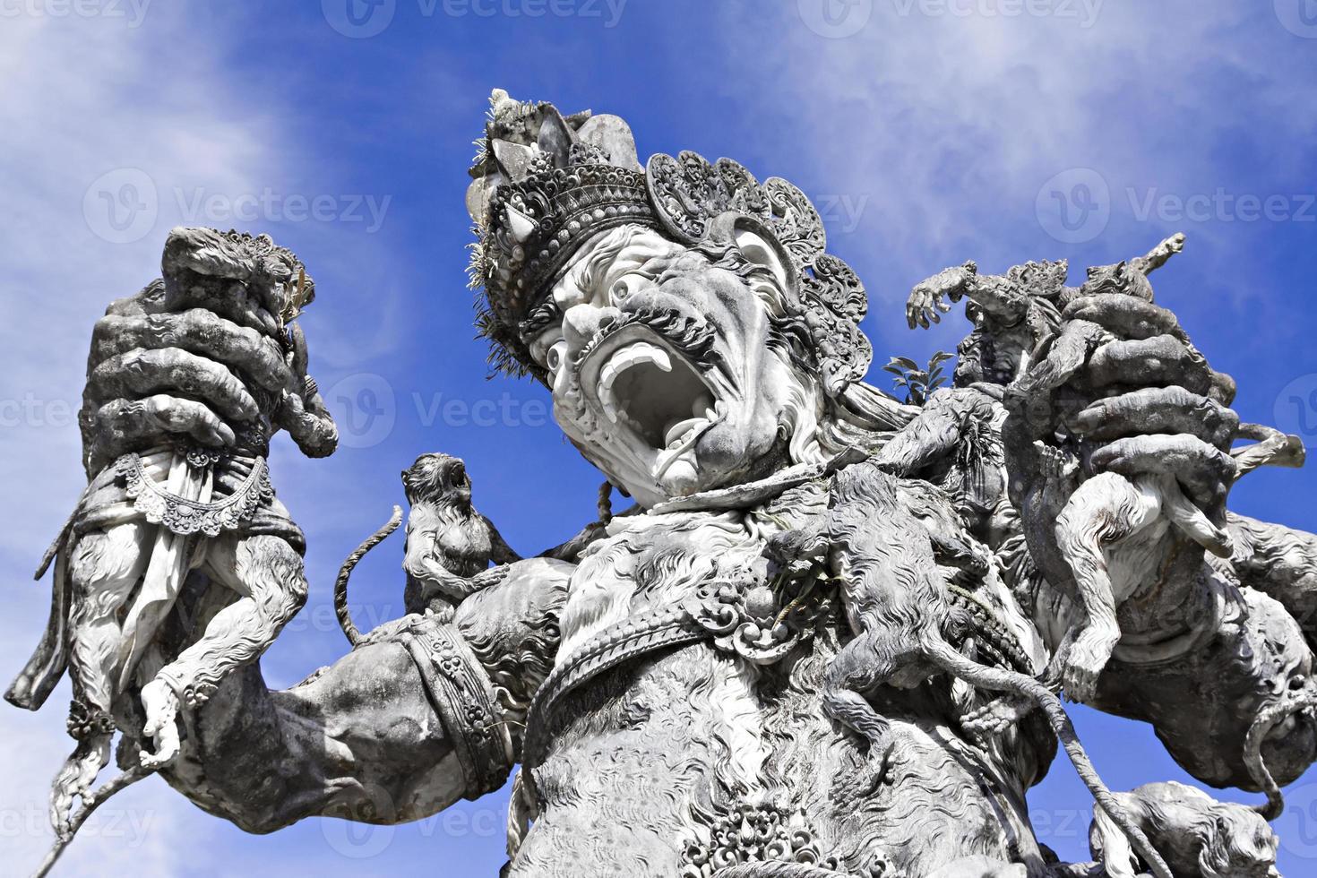 statua di kumbakarna laga foto