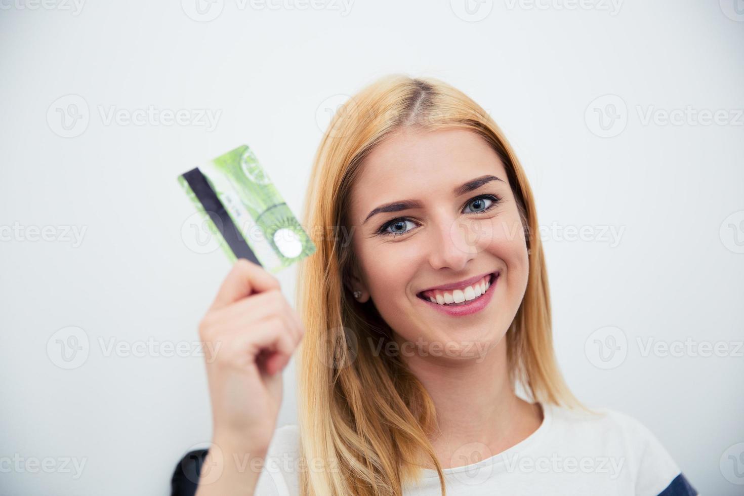 carta di credito della holding della ragazza foto