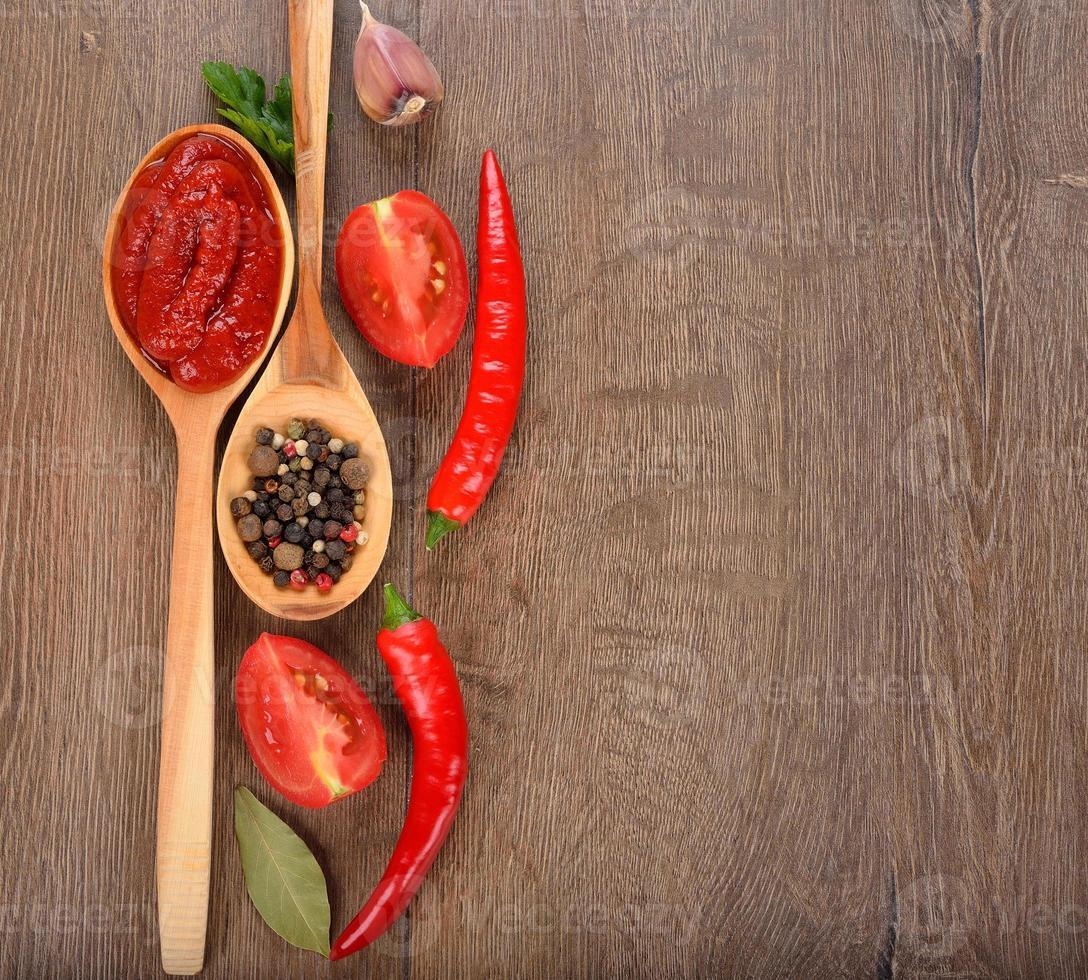 salsa ketchup e verdure foto