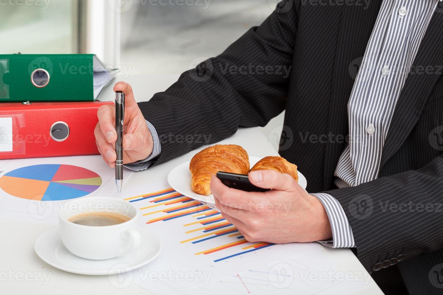 uomo d'affari prima di una riunione foto