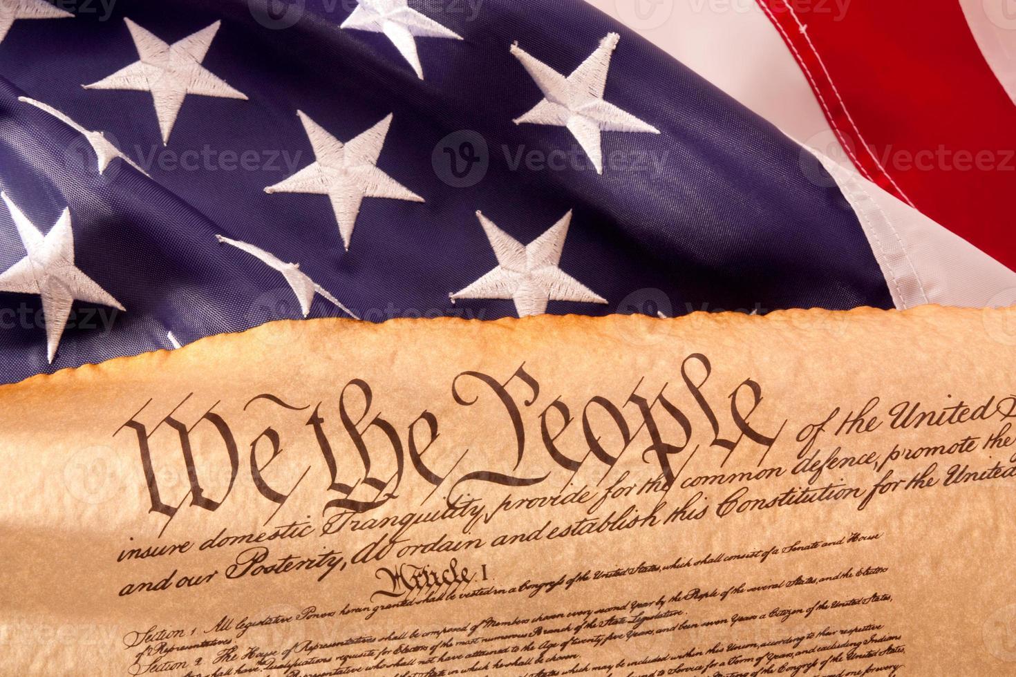 noi costituzione - noi il popolo con bandiera usa. foto